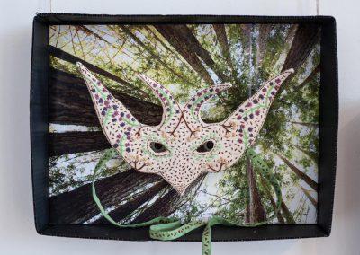 Masque oiseau réalisation Anne LE DORLOT Terre fil et papier