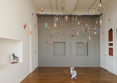 Chats en papier et oiseaux en tissus créés par Anne Le Dorlot