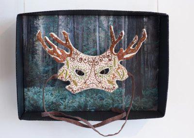 masque végétal réalisé par Anne LE DORLOT Terre fil et papier