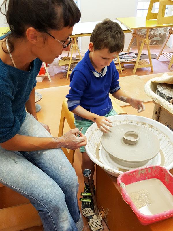 cours de poterie pour enfant à nontron